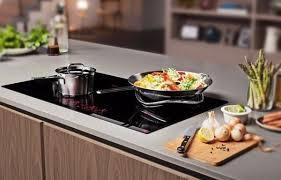 Nên sử dụng bếp từ, bếp gas, bếp điện hay bếp hồng ngoại?