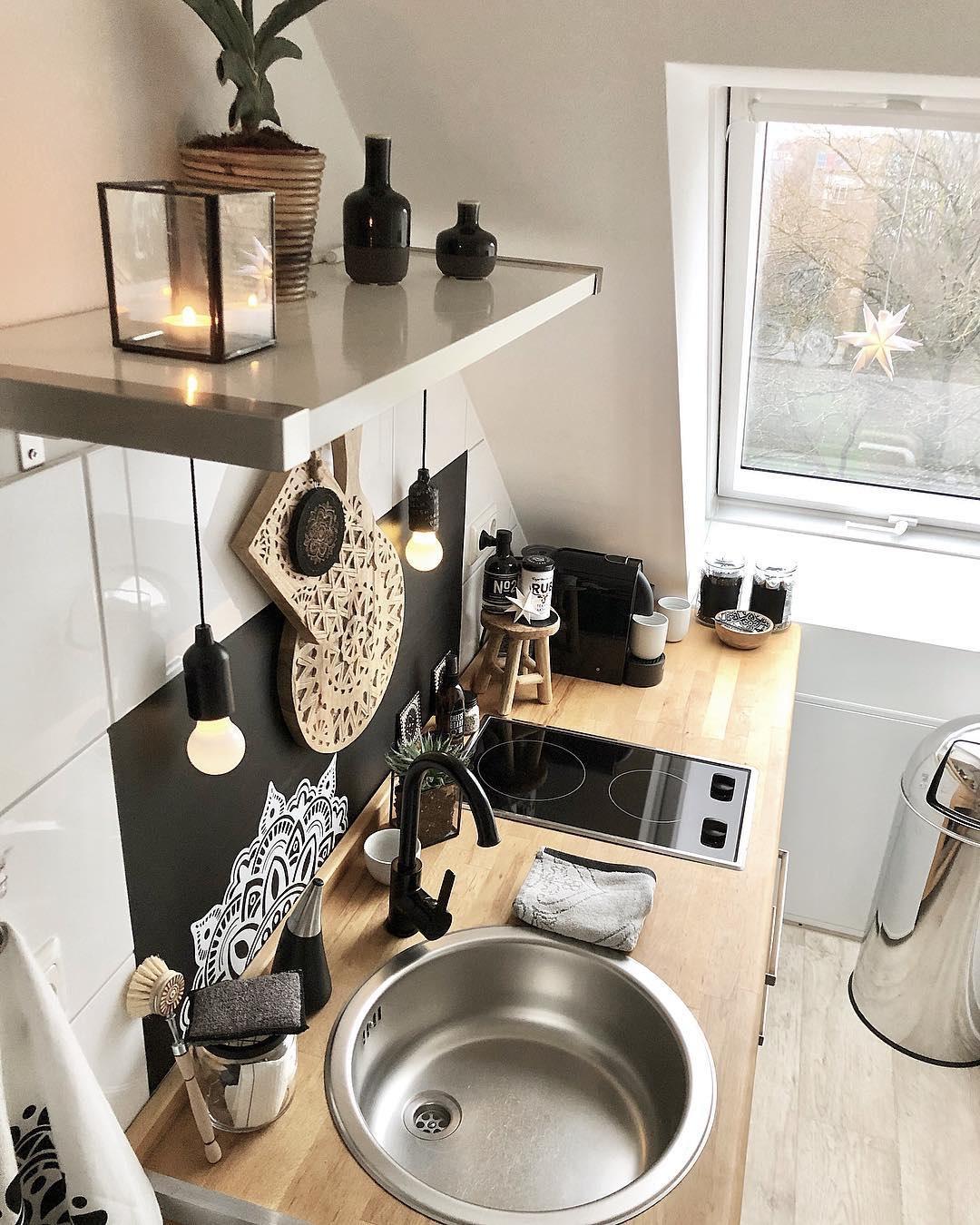 Bếp từ nhỏ gọn tiện dụng giải pháp tối ưu cho không gian bếp nhỏ.